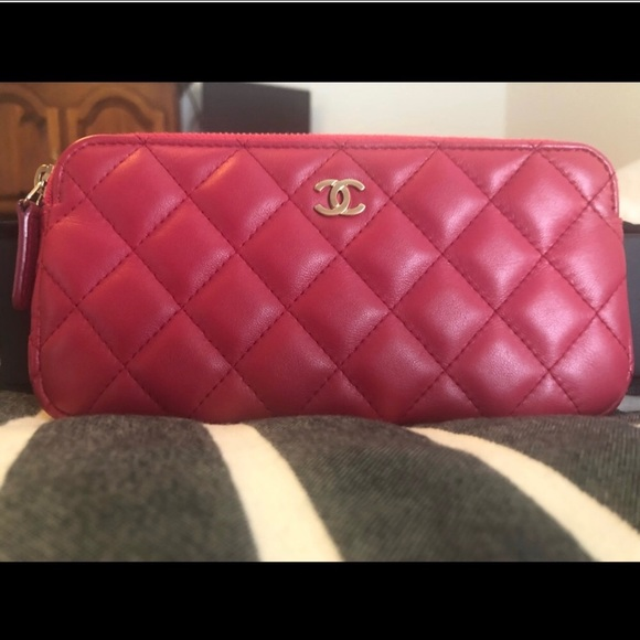 fb81afc933e65e CHANEL Bags | Pinkred Woc Excellent Condition | Poshmark